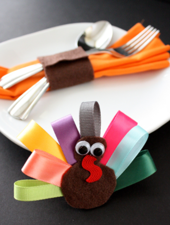 turkey napkin rings and turkey hair clips tutorial for kids