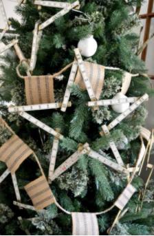 easy diy christmas tree garland holiday decor