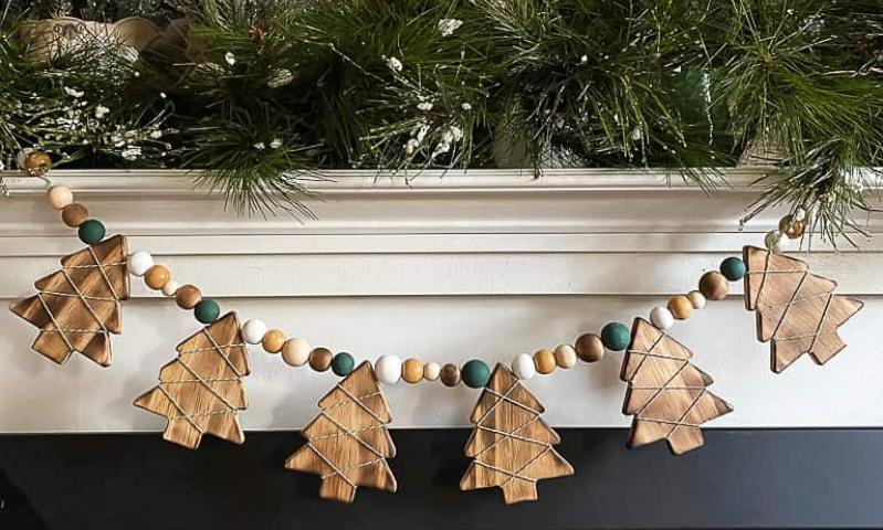 easy diy wood burned christmas tree garland holiday decor