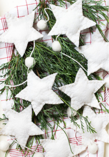 diy wool felt christmas tree garland holiday home decor