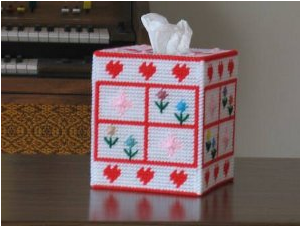 Hearts and flowers tissue box cover plastic canvas pattern
