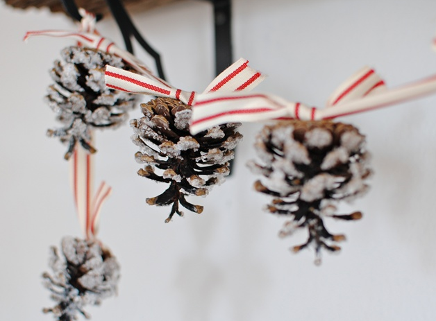 pine cone garland tutorial christmas holiday craft