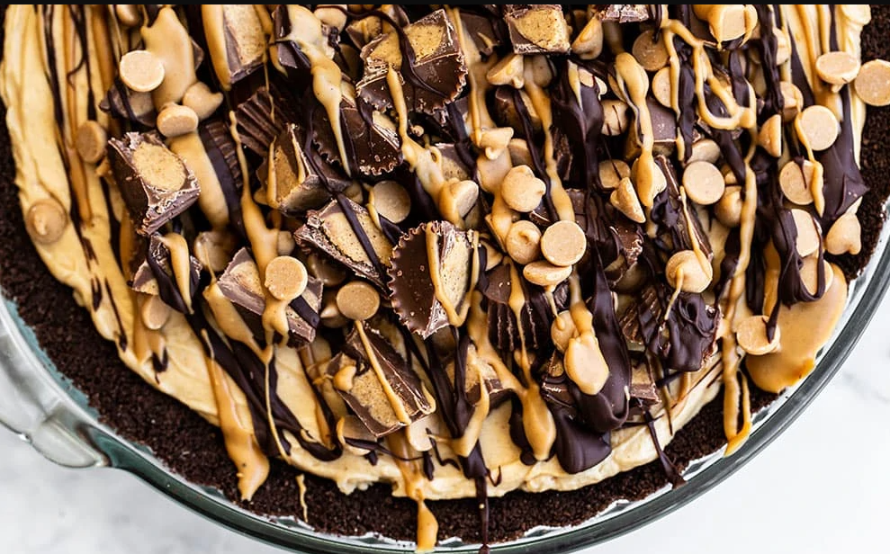 a delicious homemade peanut butter pie recipe with chocolate