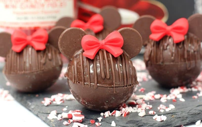 minnie mouse shaped hot chocolate bombs