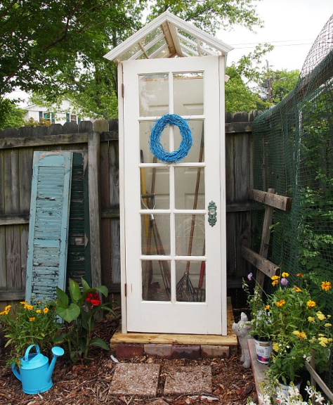 A cute little homemade garden shed decor holiday
