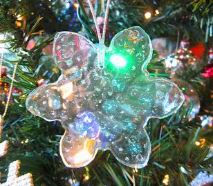 Colorful pony bead ornaments for Christmas holiday decor