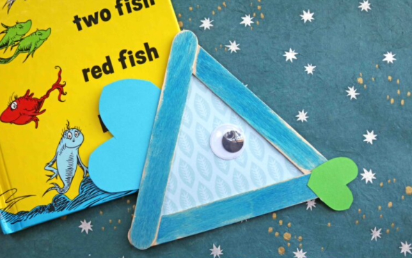 Dr Seuss Popsicle Stick One Fish, Two Fish – Kid Craft Idea
