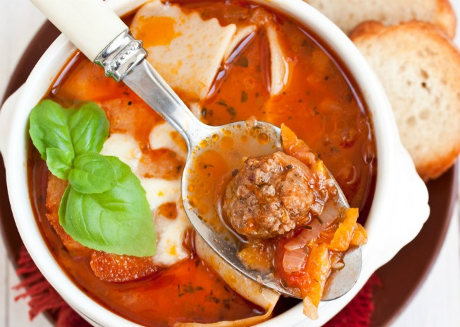 Delicious and easy to make one pot hearty lasagne soup recipe