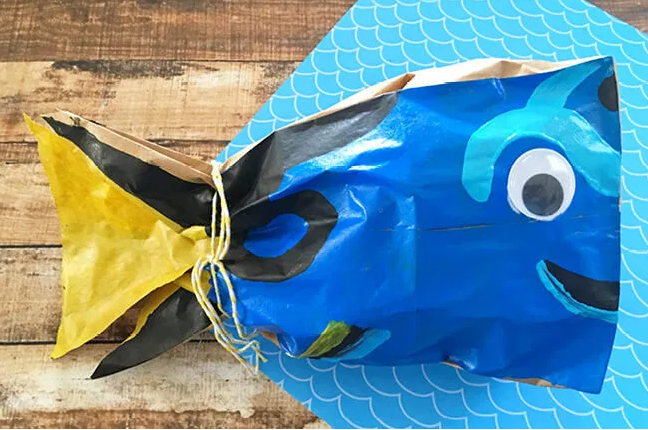 An easy to make finding dory fish craft for kids this summer