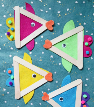 A popsicle stick and craft felt fish summer kids activity