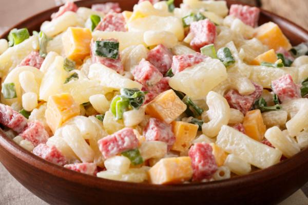 Creamy bacon Mac and Cheese salad