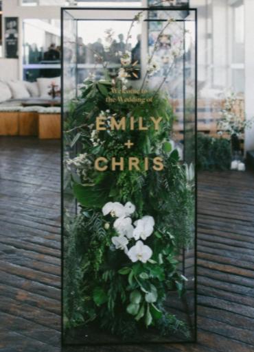 29 Creative Wedding Signs You'll Love terrarium-meets-welcome-sign hybrid