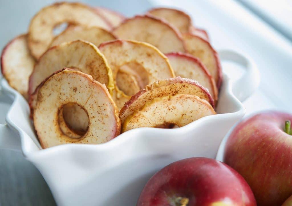 Dried apples cinnamon chips