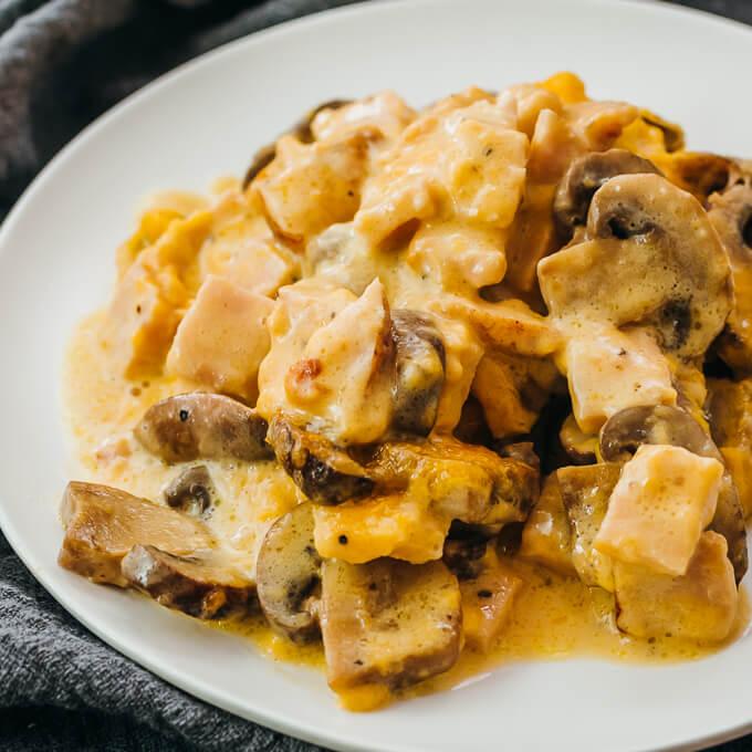 Creamy leftover turkey and mushroom bake