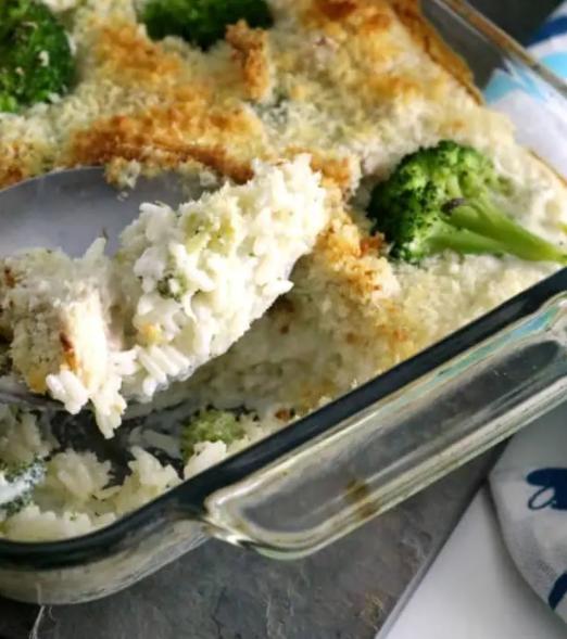 Creamy leftover turkey rice casserole with brocolli