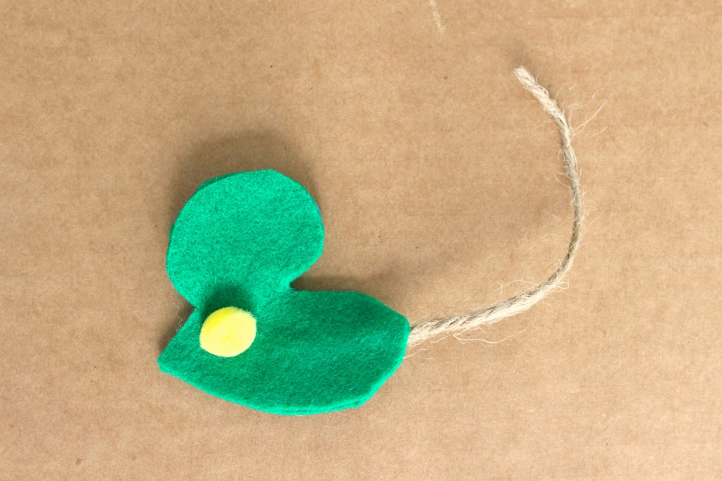 Mouse shaped felt and twine cat toy
